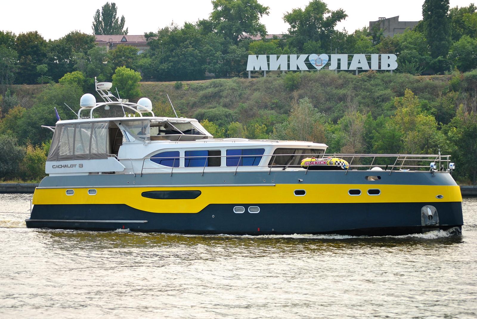 Моторна яхта проекту Fireball 194