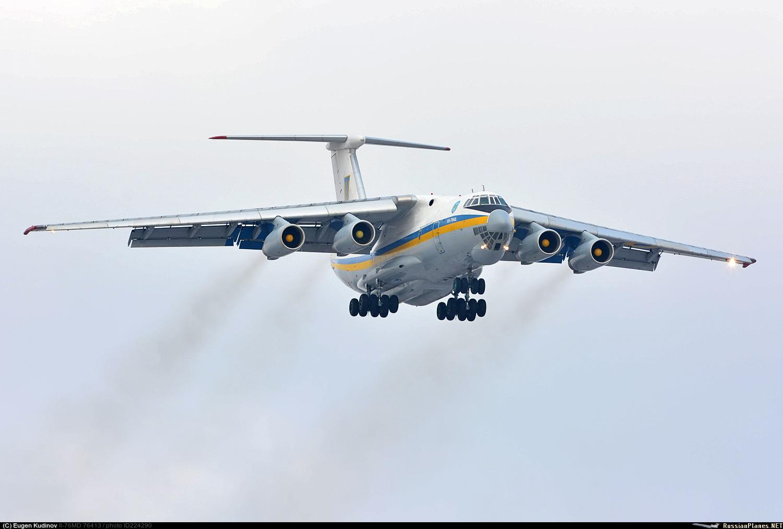 Український Іл-76МД доставив в США, ймовірно, радіолокаційне обладнання