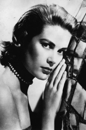 Grace-Kelly-2-Tatler-1nov13_getty_b_400x600