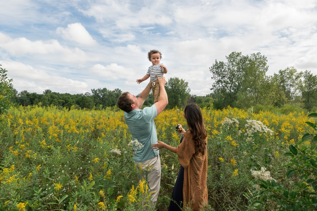 Family session for parents and a toddler son at SongBird Slough Forest Preserve in Itasca by family photographer Mila Craila Photography