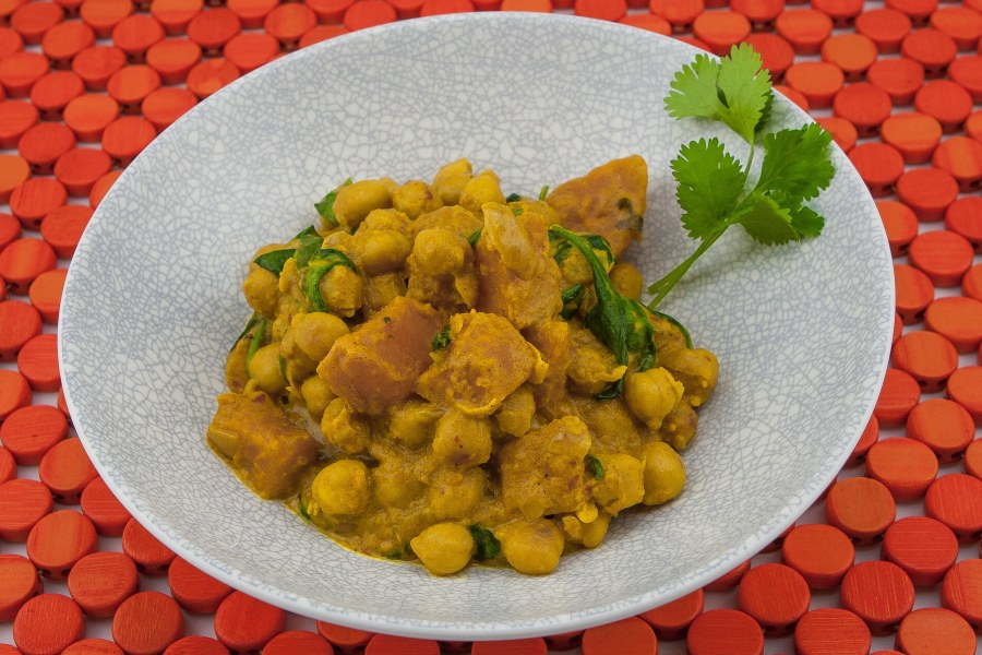 Chickpea Curry (Indian Style)