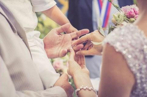 Svadba v Bratislave v Au Cafe, obrad, vymena prstienkov