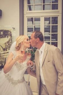 Svadba v Bratislave v Au Cafe, bozk novomanzelov
