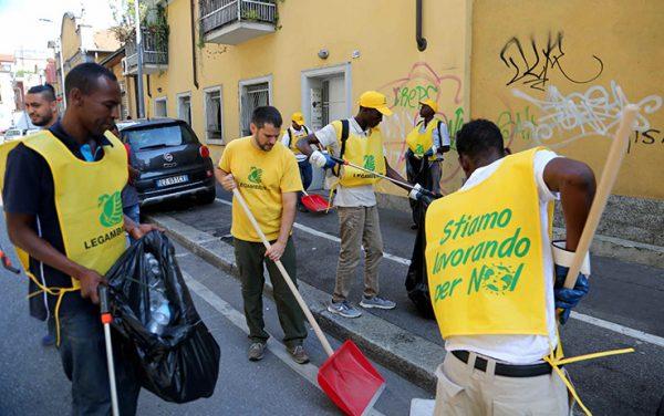Trecento richiedenti asilo ospiti delle strutture di Milano
