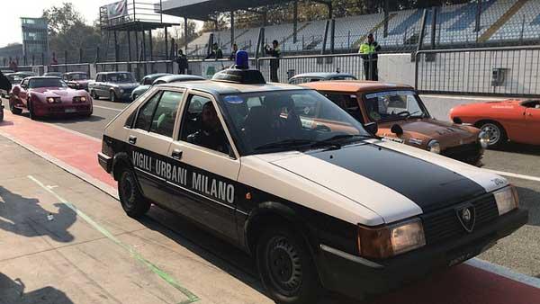 """Polizia Locale. Ferrari, Arna e Giulietta all'autodromo di Monza a """"6 Ruote di Speranza"""""""