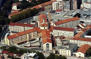 Bombe carta nel carcere di San Vittore arrestato un giovane,   denunciati in tre