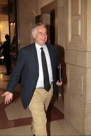 """Pisapia e il buco di bilancio """"La Moratti ha mentito"""""""