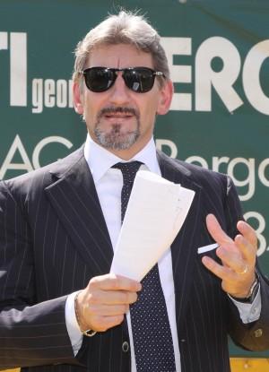 """Regione, Cattaneo contro i tagli """"Vivo con 8.000 euro al mese"""""""