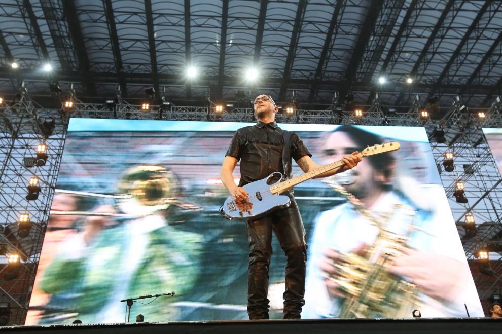 Milano, la prima notte di Jovanotti a San Siro