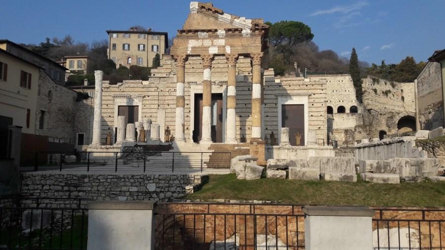 Il Capitolium (foto di Robert Ribaudo). A sinistra si accede alla IV cella.