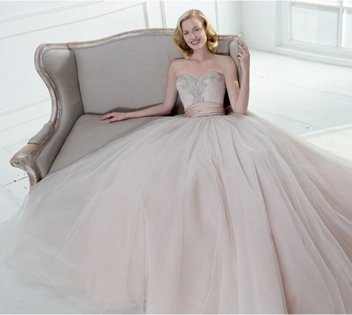 neutral-colors-wedding-drees-trend-2015