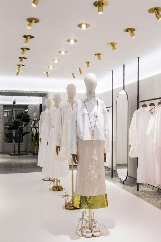 белая рубашка valentino le blanc в Милане