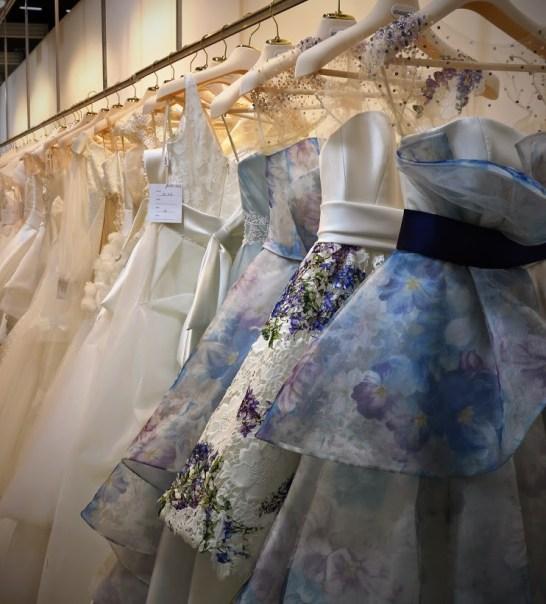 свадебные платья коллекции 2016 года на выставке в Милане