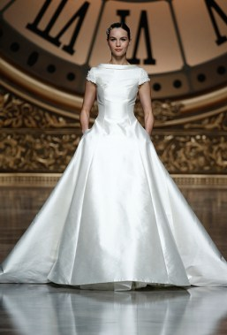 pronovias-wedding-dresses-spring-2016-minimalizm