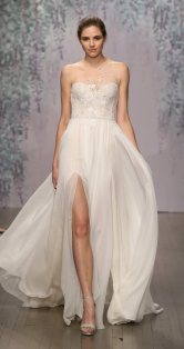 02-monique-lhullier-fall-2016-bridal-
