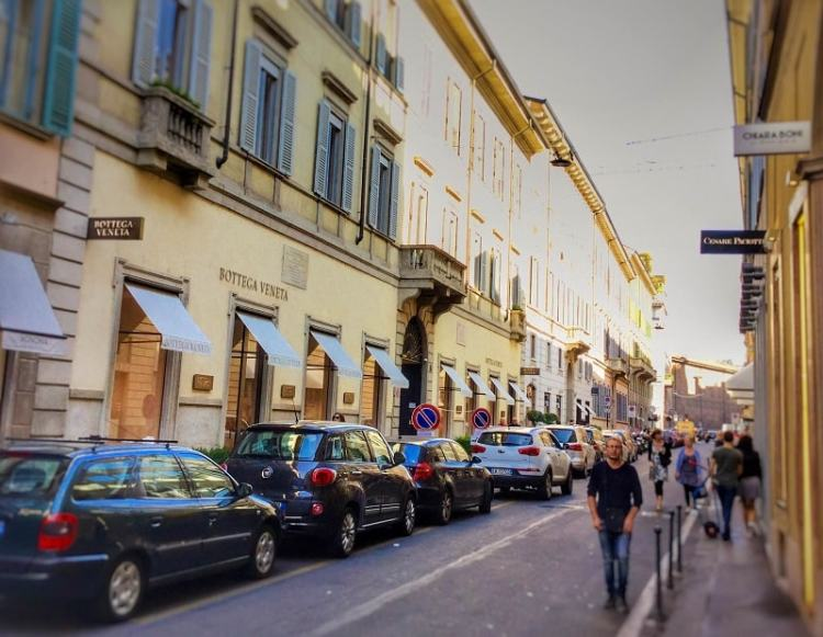 personal shopping Milan stylist