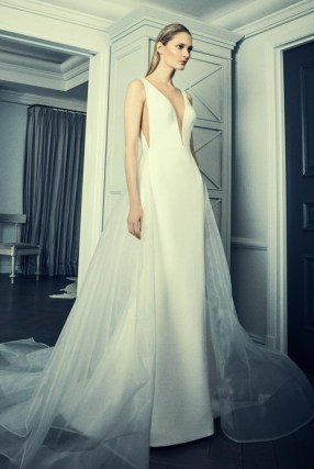 02-09-deep-deep-v-neck-wedding-dresses-romona-keveza-luxury