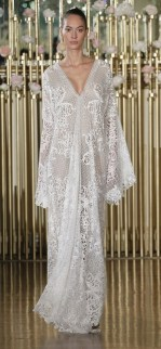 03-01-extreme-sleeves-wedding-dresses-francesca-miranda