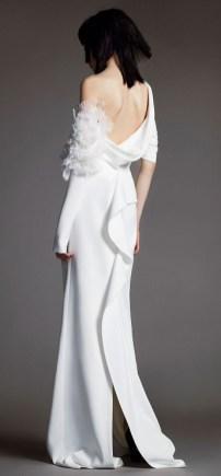 свадебное платье Vera Wang Spring 2018 длинный рукав голая спина и цветок на рукаве