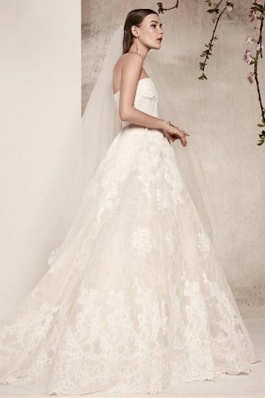 Elie Saab bridal 2018 свадебное платье с объемной юбкой кружево открытые плечи