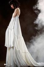Самое оригинальное простое свадебное платье Vera Wang Spring 2018