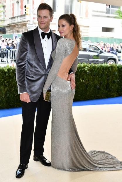 Tom Brady and Gisele Bundchen MET GALA 2017 red Carpet