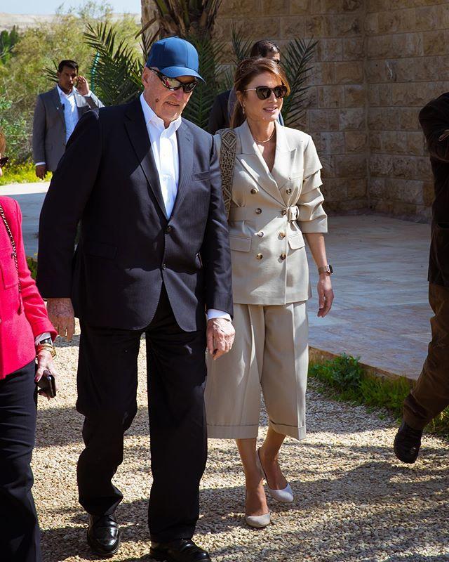 принцесса Иордании Rania в кюлотах