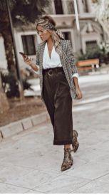 модные кожаные брюки - кюлоты с чем носить