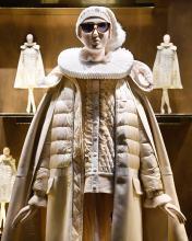 пуховики из шерсти Victorian Contemporary Moncler