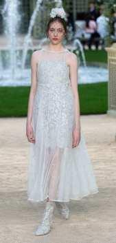 свадебное платье в прозрачной юбкой Шанель 2018