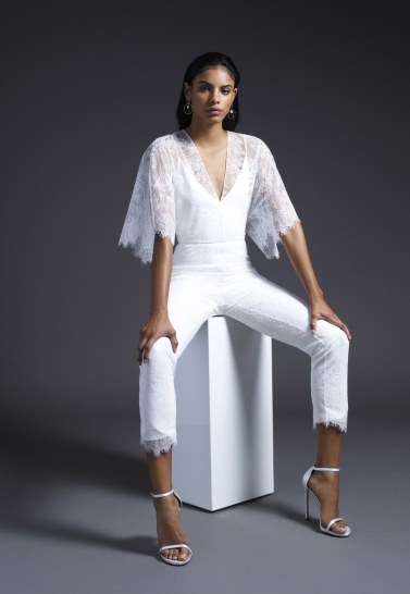 модная тенденция 2019 свадебный комбинезон для невесты cushnie bridal