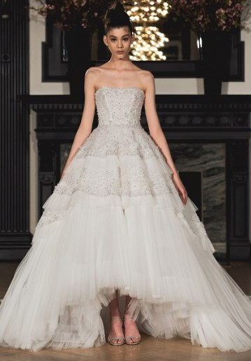 модное свадебное платье с пышной юбкой Ines di Santo