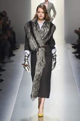 Ermanno Scervino модное итальянское пальто с меховым воротником тренд зима 2019