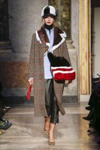 модные шубы и меха тенденция зима 2019 меховой воротник