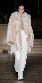 dennis basso модные итальянская шуба из рыси оверсайз зима 2019 в милане