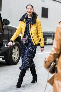 как модно носить пуховик зима 2019 стритстайл