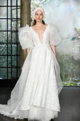 модные свадебные тенденции 2020 - свадебное платье с пышными рукавам phuong my bridal wedding dresses spring 2020