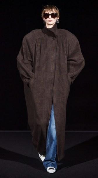 Balenciaga модное пальто оверсайз осень зима 2019 2020 Balenciaga