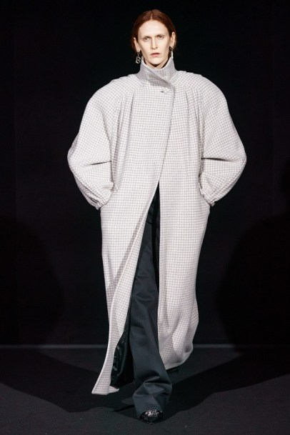 Balenciaga модное пальто оверсайз осень зима 2019 2020