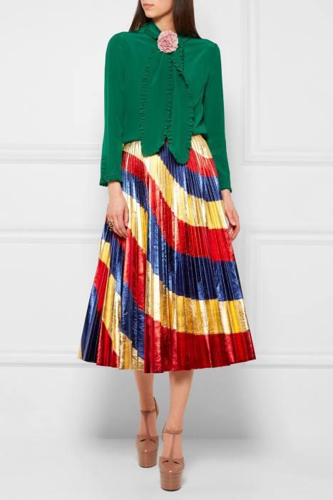 как носить цветную юбку плисе с блузой