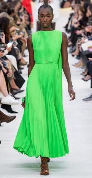 Платье с плиссированной юбкой Валентино весна лето 2020