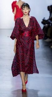 модное платье с пышными рукавами лето 2020