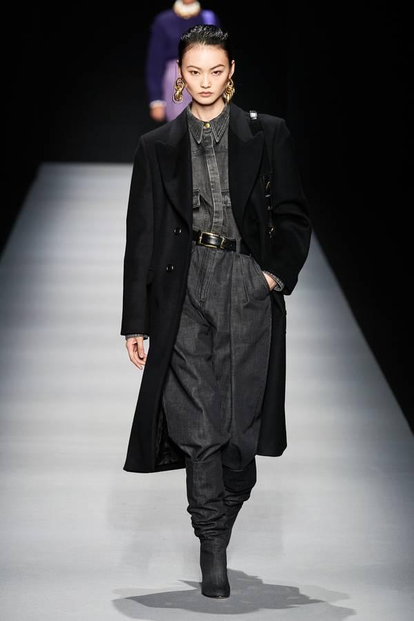 модное черное пальто 2020 2021