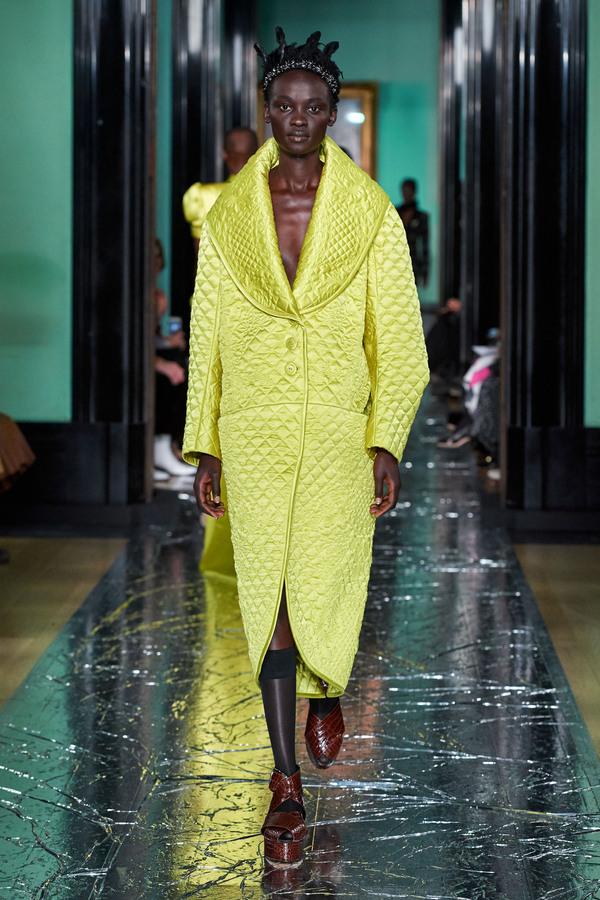 модное стегное пальто осень зима 2020 2021