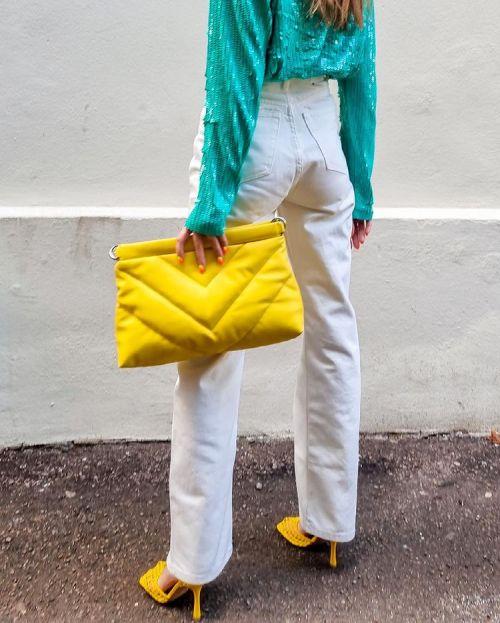 как сочетать модный цвет года желтый 2021
