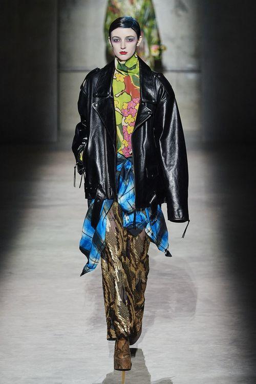 модные кожаные куртки осень 2020 - тренд косуха