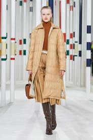 модный кожаный пуховик зима 2020 2021