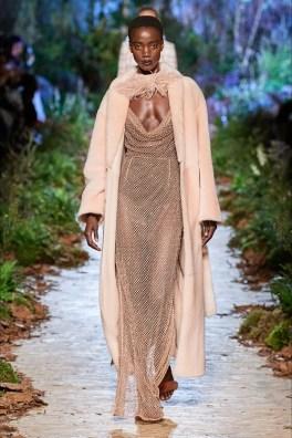 модные шубы тенденция бритая норка 2020 2021