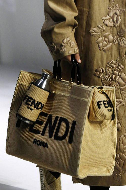 модные сумки для бутылок тренд 2021 года