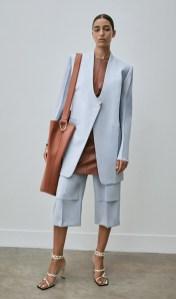 модные костюмы женские 2021 тренд костюм с шортами